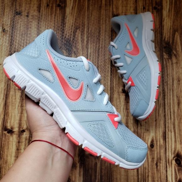 Máquina de recepción Favor abajo  Nike Shoes   Flex Supreme Tr 2 Womens Sneakers   Poshmark